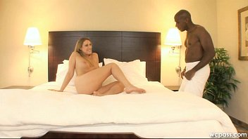 Mandingo pounds pussy of new girl Gia Vendetti