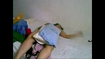 Egyptian girl masturbating بت بتضرب سبعه و نص