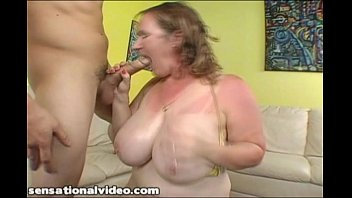 Young stud fucks rough busty mature woman on vacation